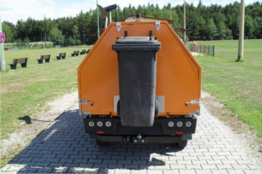 Mülltonnenhalter am Heck