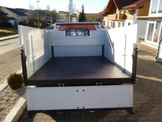 Bordwanderhöhung mit Holzboden und Sichtfenster