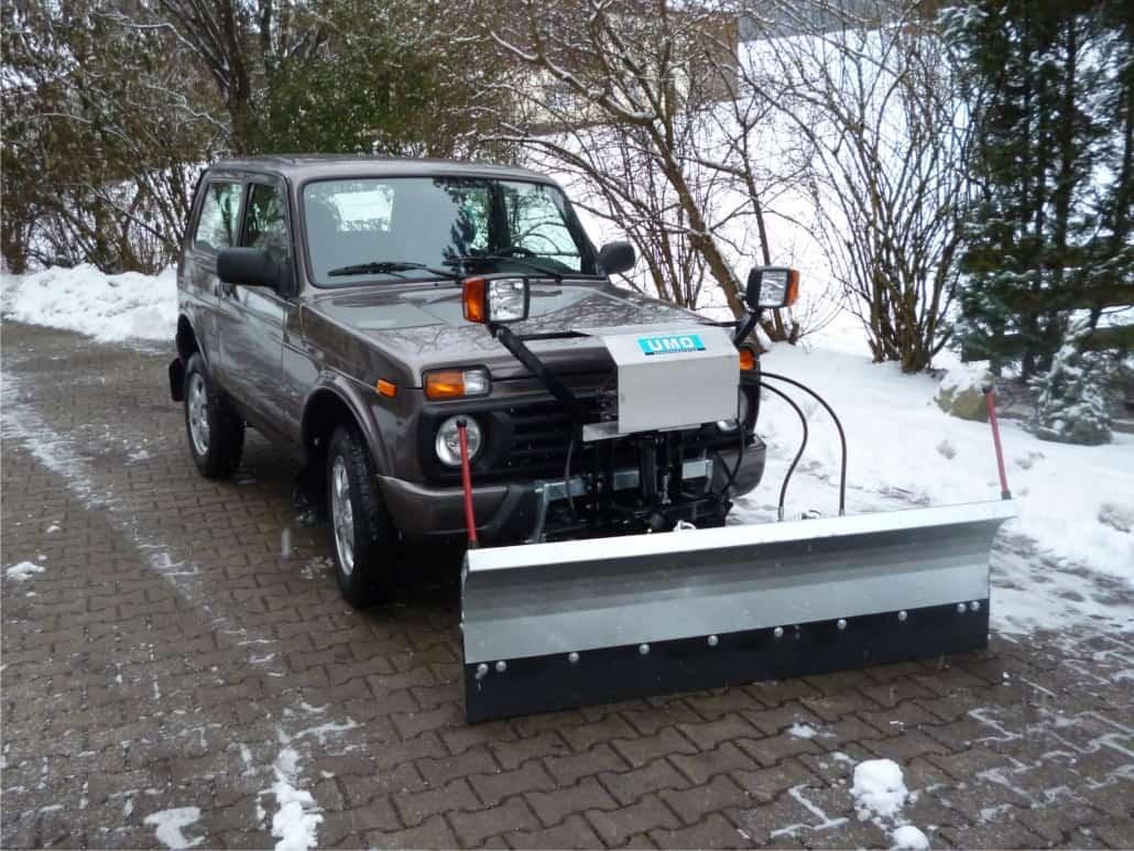 Kompletter Schneepflug UBS 4 für Lada 4 x 4 Urban